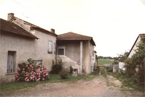 Anciennes maisons rue Louis Pergaud.jpg